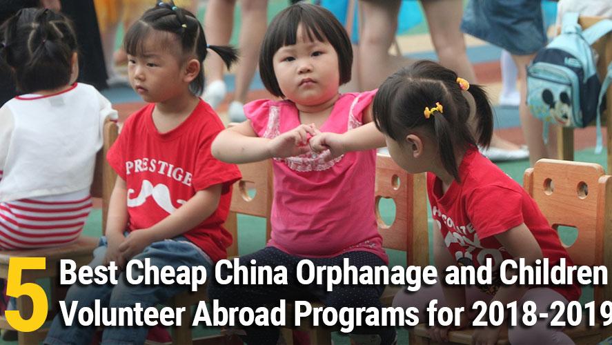 volunteer with children china