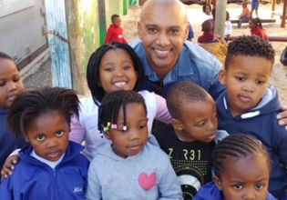 Teaching English in Zimbabwe - Over 20,000 Happy Volunteers since 2003