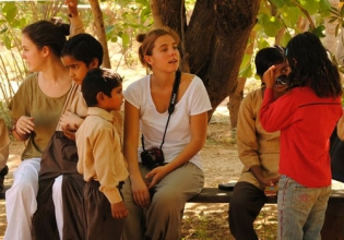 Teaching English in India - Over 20,000 Happy Volunteers since 2003