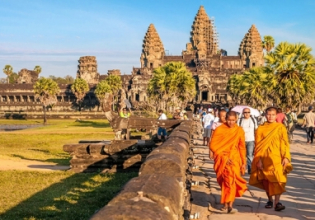 The exploring of the best temples in Angkor