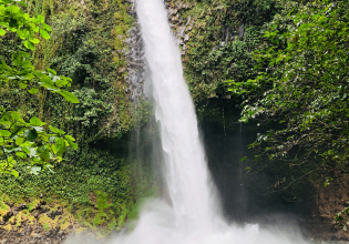 Hanging Bridges, La Fortuna Waterfall, Typical lunch and Arenal Volcano Hike