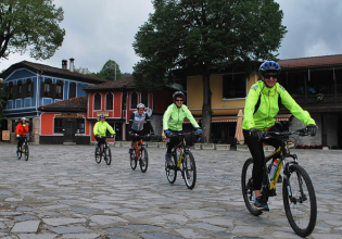 Koprivshtitsa, the Rose Valley and Starosel Thracian Temple cycling day tour