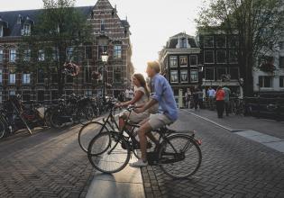 Amsterdam: Private City Highlights Bike Tour