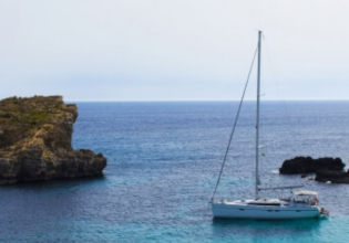 Daily Comino & Blue Lagoon Cruise with Food & Open Bar
